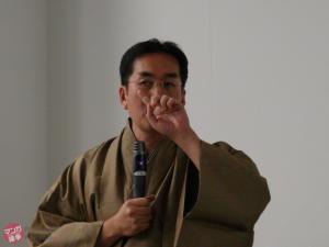 トリは白田秀彰法政大学准教授。開場前にサークルクラッシャー研究会の部屋で遭遇しました。