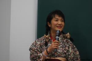 高山佳奈子京都大学教授。白田准教授に対抗して急遽和服で登場。