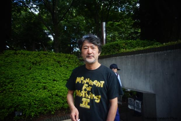 帰り道、都美館敷地内の喫煙所で会田誠さんと遭遇。